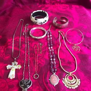 Jewelry - Jewelry Lot 5 Necklaces & 4 Bracelets
